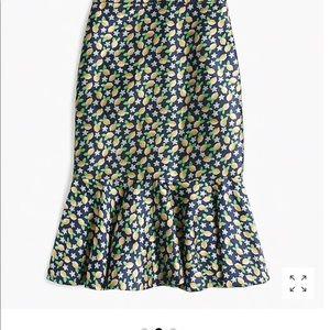 NWT Petite Trumpet skirt in lemon jacquard